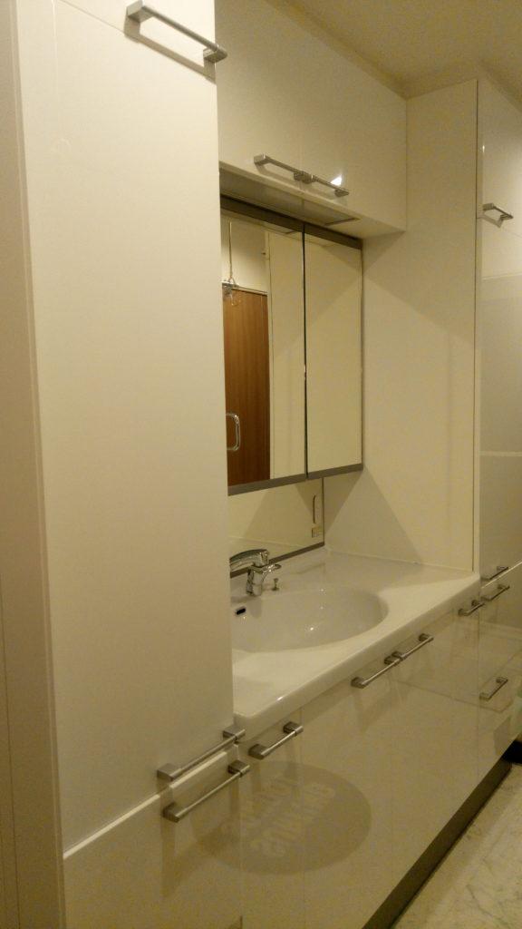 一条工務店i-smartの標準仕様、洗面化粧台W333(幅210cm)
