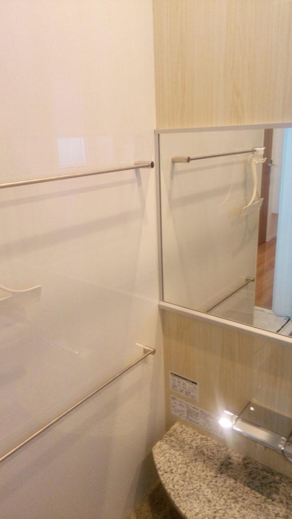 鏡やステンレス部分は、お風呂を使うたびに簡単に拭いておくだけでいつもピカピカに!