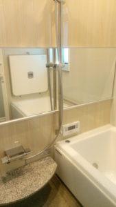 シャワーの水圧は低め。追加オプションで水圧を高める?