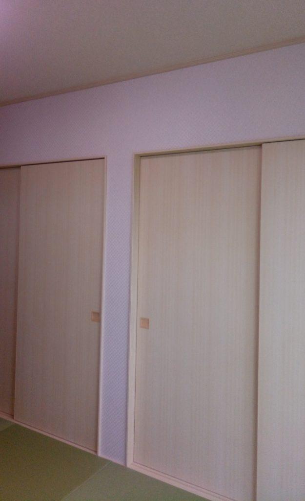 和室には天井と壁に一条工務店のオプションクロスを採用