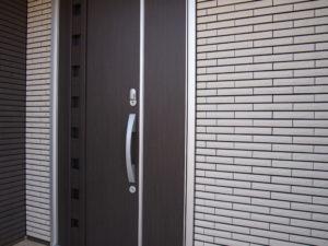 玄関ドア用電子リモコンキー(UBリーガル)遠景