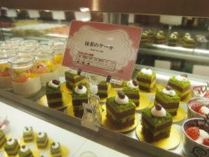 デザートもたくさんの種類が並んでました