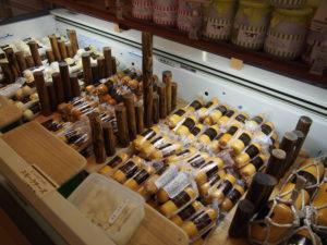 ハムやソーセージ、チーズもたくさん!