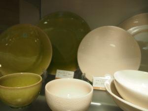Jarsの一番人気ホワイトとアボカドカラー