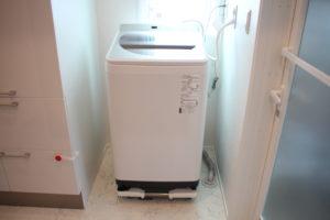 洗濯機は、キャスター台に乗せておくことをおすすめします。