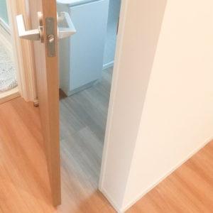 ドアが自動的に閉まらない状態