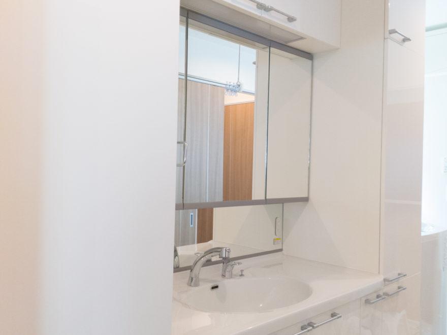 わが家に採用した洗面化粧台(210cm幅)
